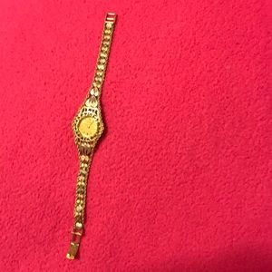 Jewelry - 10.K Gold watch 100% Gold seiko water resistent